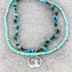 ✌NWT WAVE CHARM AND STONE LAYERED ANKLET